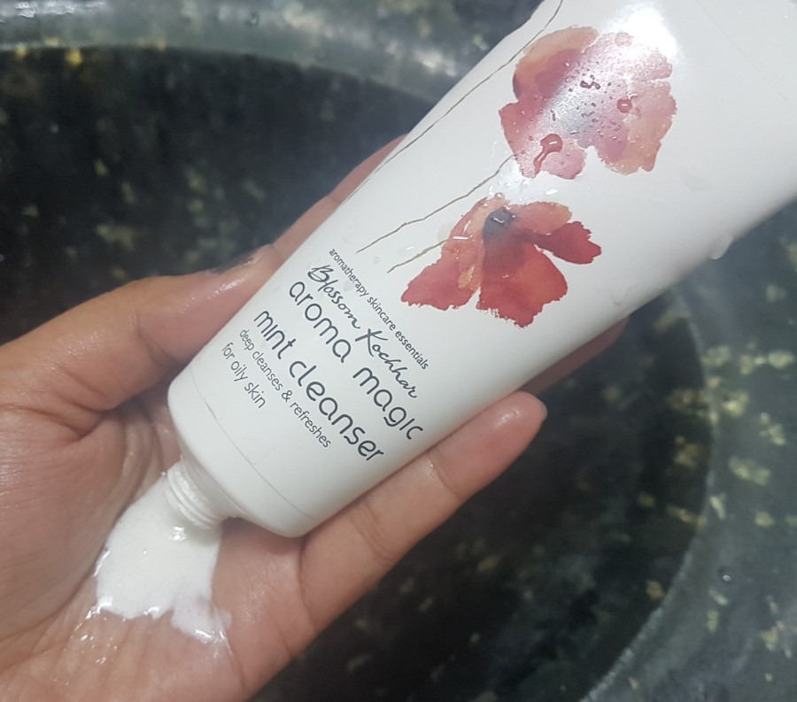 Product Review: Blossom Kochhar Aroma Magic Mint Cleanser
